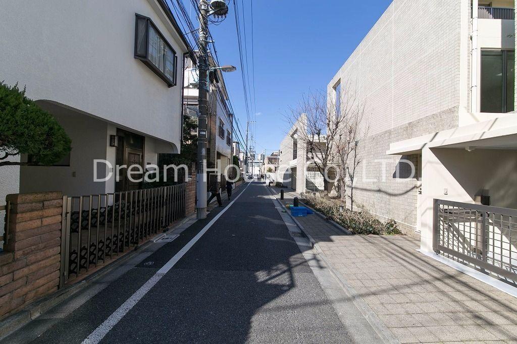 閑静な住宅街に建つプレミアガーデン本郷(文京区向丘の3LDK)N-1賃貸