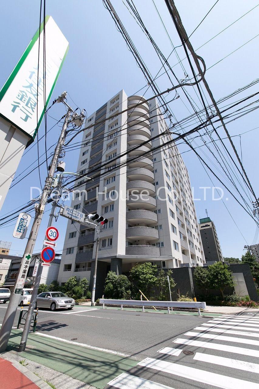 駅に近い閑静な住宅街として親しまれています。安心な住宅街と言われ、近年は人気の地域です。