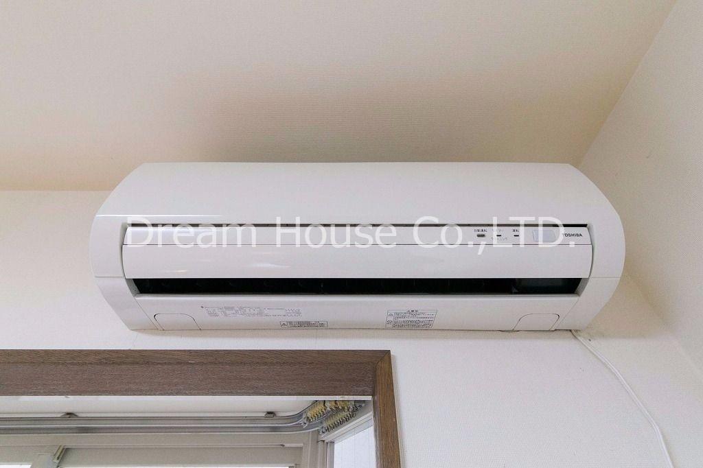 快適な空間を創るエアコンを標準装備・動作確認もしています。2009年東芝製。不具合があれば対処します。