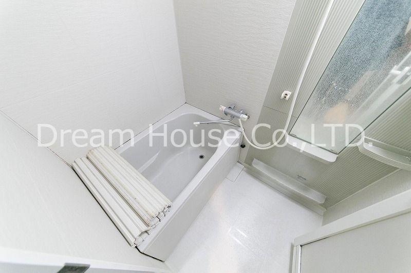 都営三田線白山駅のファミリー向け賃貸マンション。白山井口ビル501の広く使いやすいバスルーム