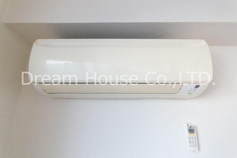 白山井口ビル501のダイキン工業製ルームエアコン。快適な空間を創るエアコンを標準装備