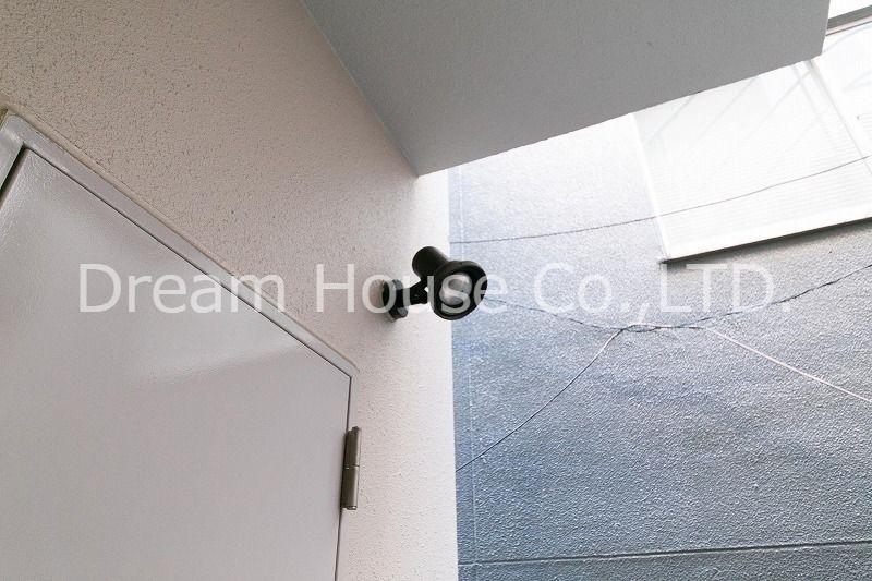 都営三田線白山駅5分の白山井口ビルの非常階段照明