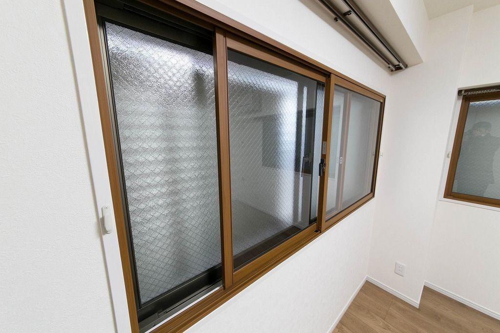 千石マンション窓を二重窓に交換