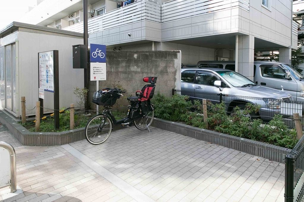 誠之小学校近くの丸山新町公園(ふねこうえん)の自転車置場