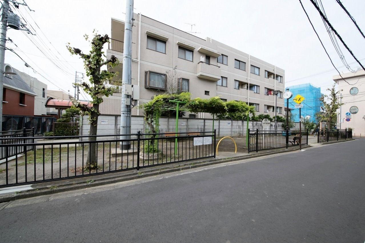 文京区本郷5丁目の台町第一・第二児童遊園のリニューアル前の写真です。
