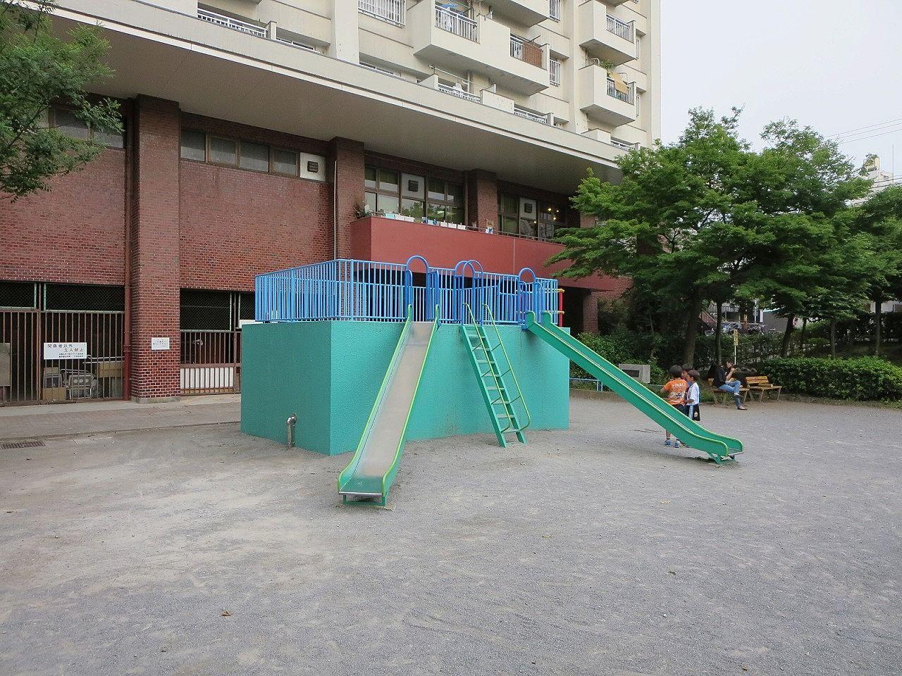 文京区社会福祉会館裏の公園。文京区賃貸不動産はドリームハウス