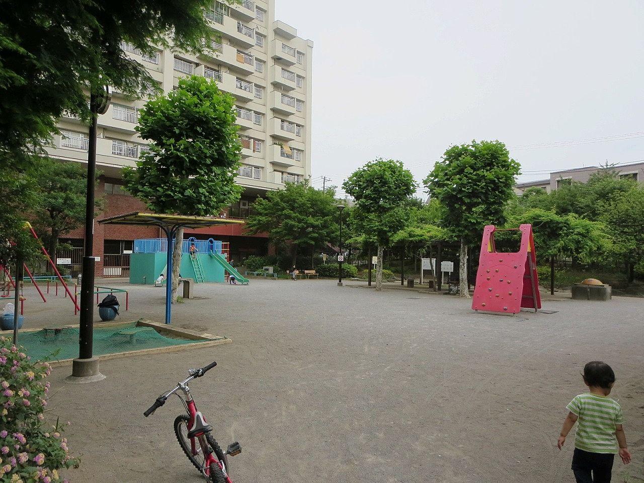 電車が展示されている文京区の公園。文京区の賃貸不動産ドリームハウス